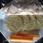 100-calorie-snacks-crackers-cheese-lunchmeat
