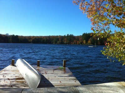 v - Fall in New York state by the water