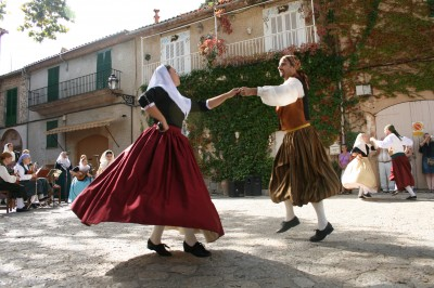 Folk dancing in Spain (pic: Natasha von Geldern)