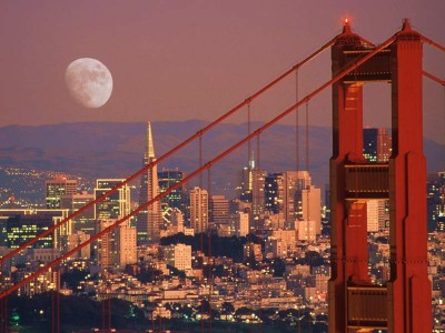 Finding Happiness in San Francisco - Moon over Sna Francisco