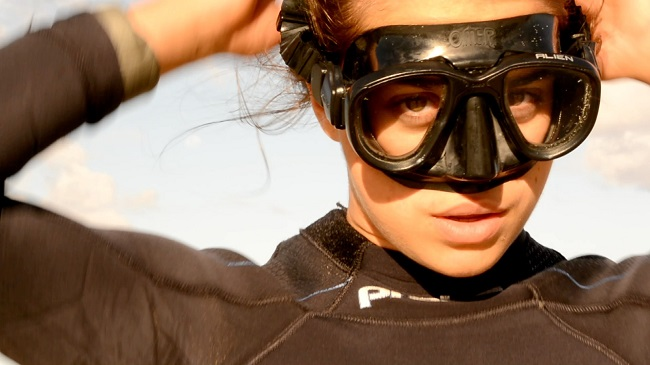 Shark Girl Madison Stewart Shows the World How Dreaming Gets Done Right: Shark Girl Madison Stewart Putting on her gear