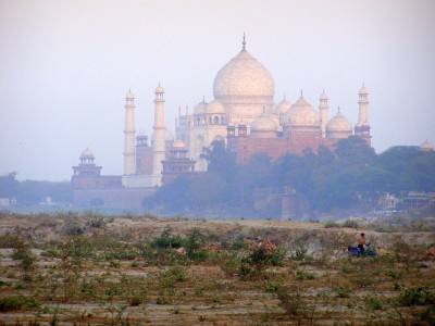 The-Taj-Mahal-through-smoke-Agra-India (pic: Natasha von Geldern)