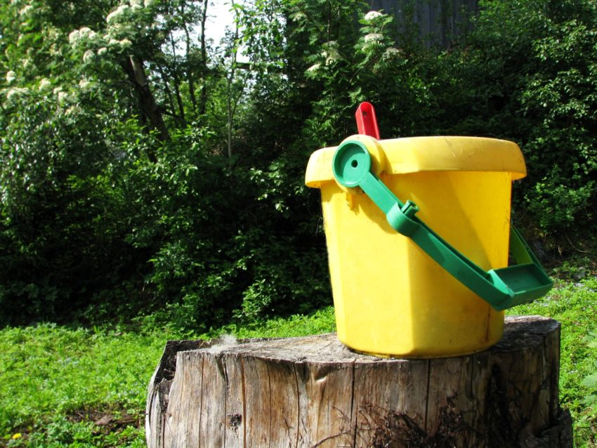 3 Budget Buckets for Your Money Saving Dreams