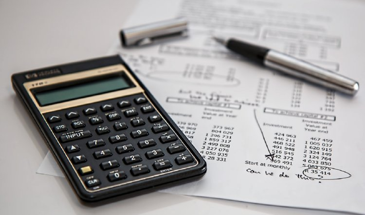 The Financial Realities of Divorce After Midlife: Calculating finances