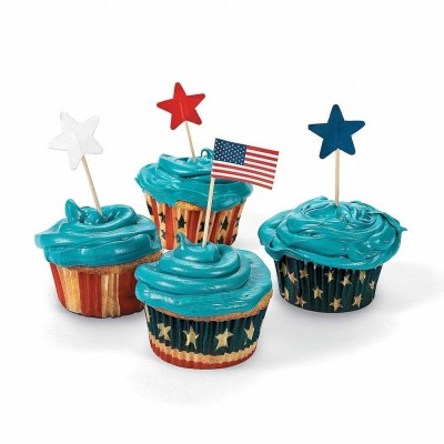 We're Celebrating the 4th with Free Giveaways: 100 Patriotic Baking Cups With Picks