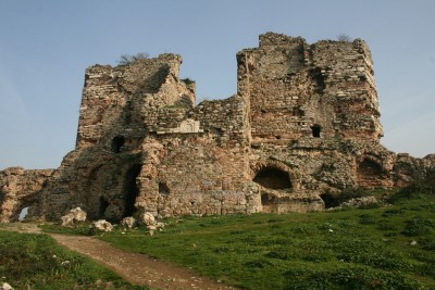 World Travel Dreams: Ruined Byzantine Fortress in Turkey