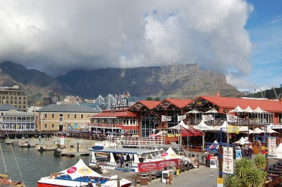 8 Experiences Not to Miss in Southern Africa: View of Table Mountain, CapeTown, South Africa