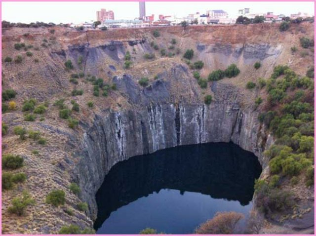 Images From South Africa: The Big Hole in Kimberely