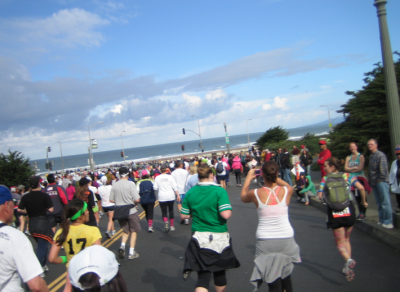 bay to breakers finish line at the pacific ocean