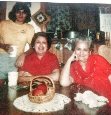 Creating and Remembering Food Memories With Your Mother: Me, mom, Aunt Bee