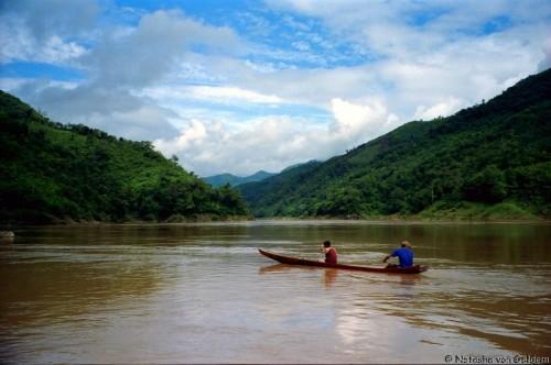 : Laos slow boat through Luang Phabang Mekong